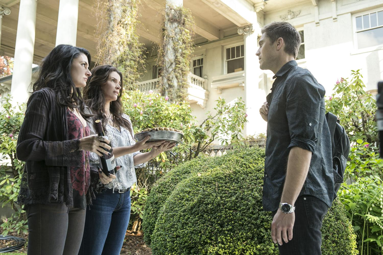 Witches of East End 2x02 7