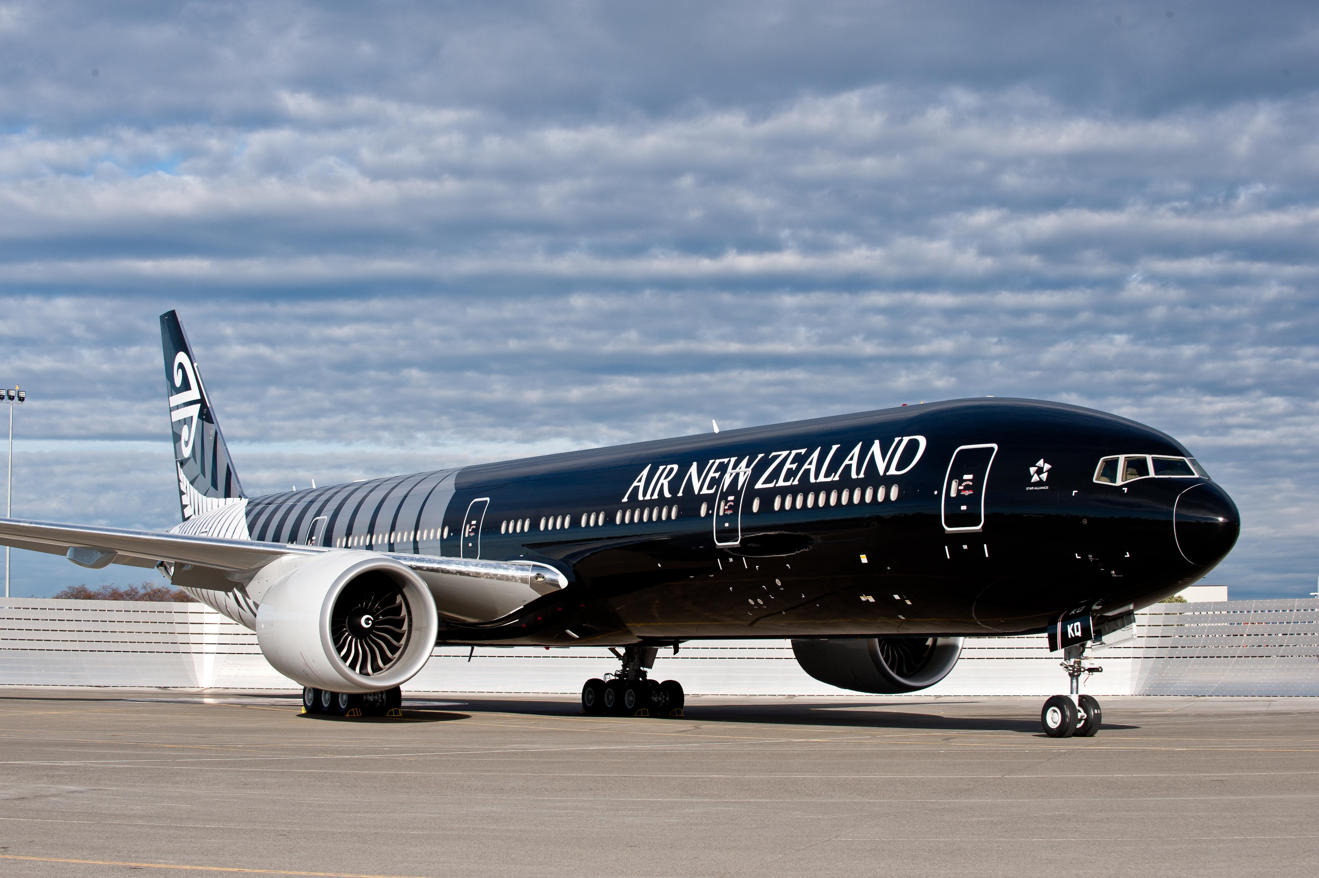 All Black Boeing 777 Air New Zealand