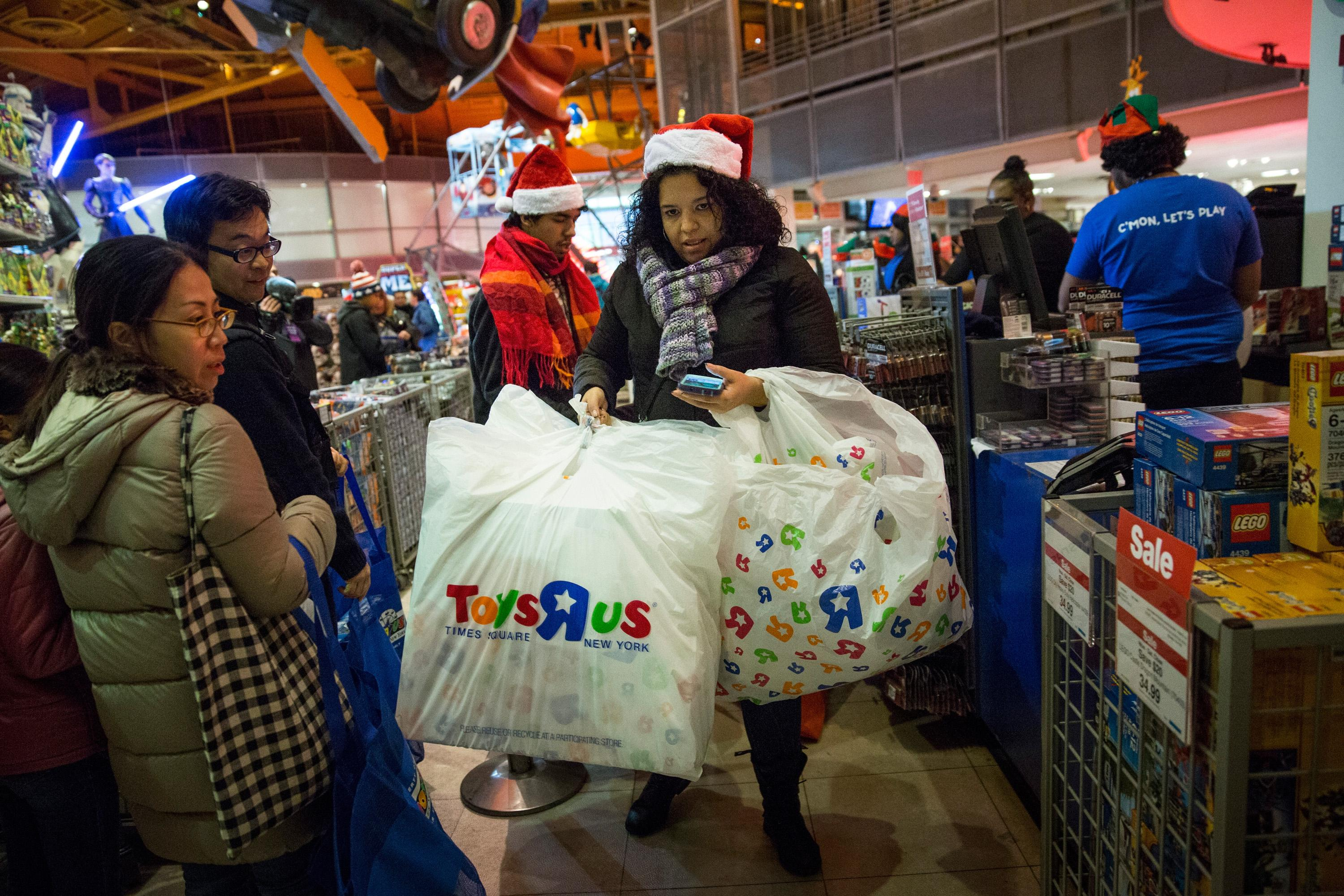 Toys 'R' Us Christmas Eve Store Hours And Deals 2015: Stores ...