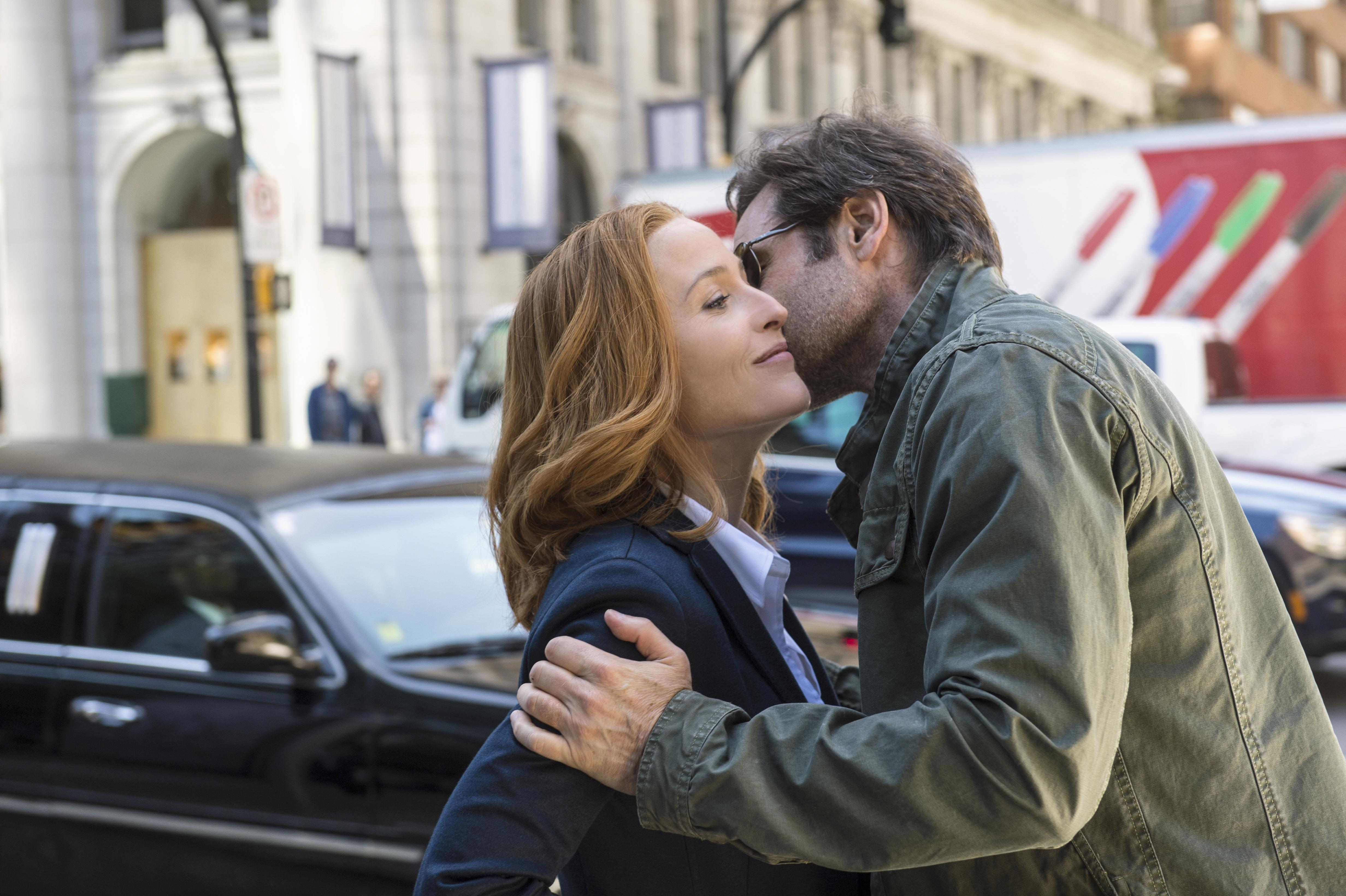 X Files Mulder and Scully