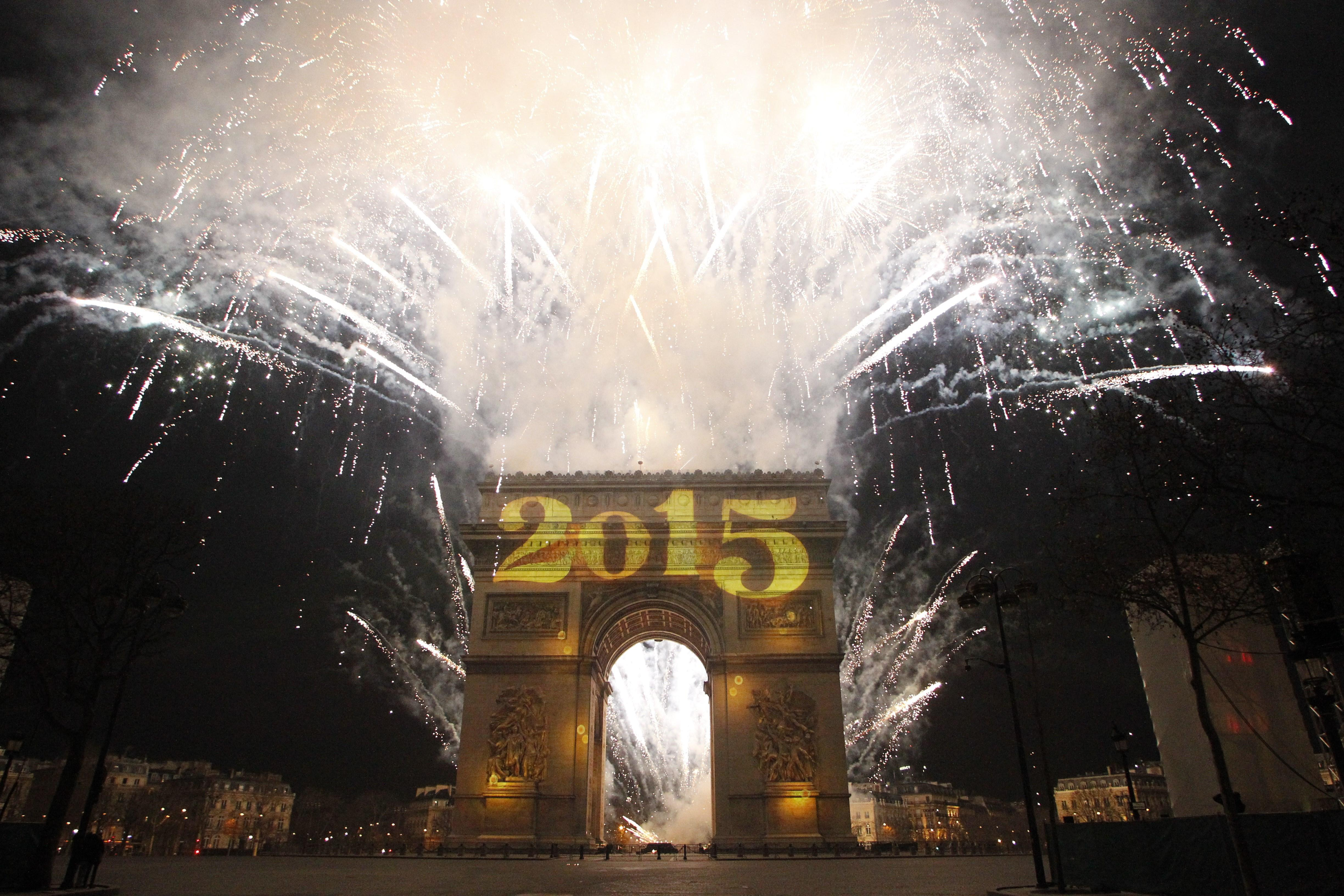 what to do in paris on new years eve 2015