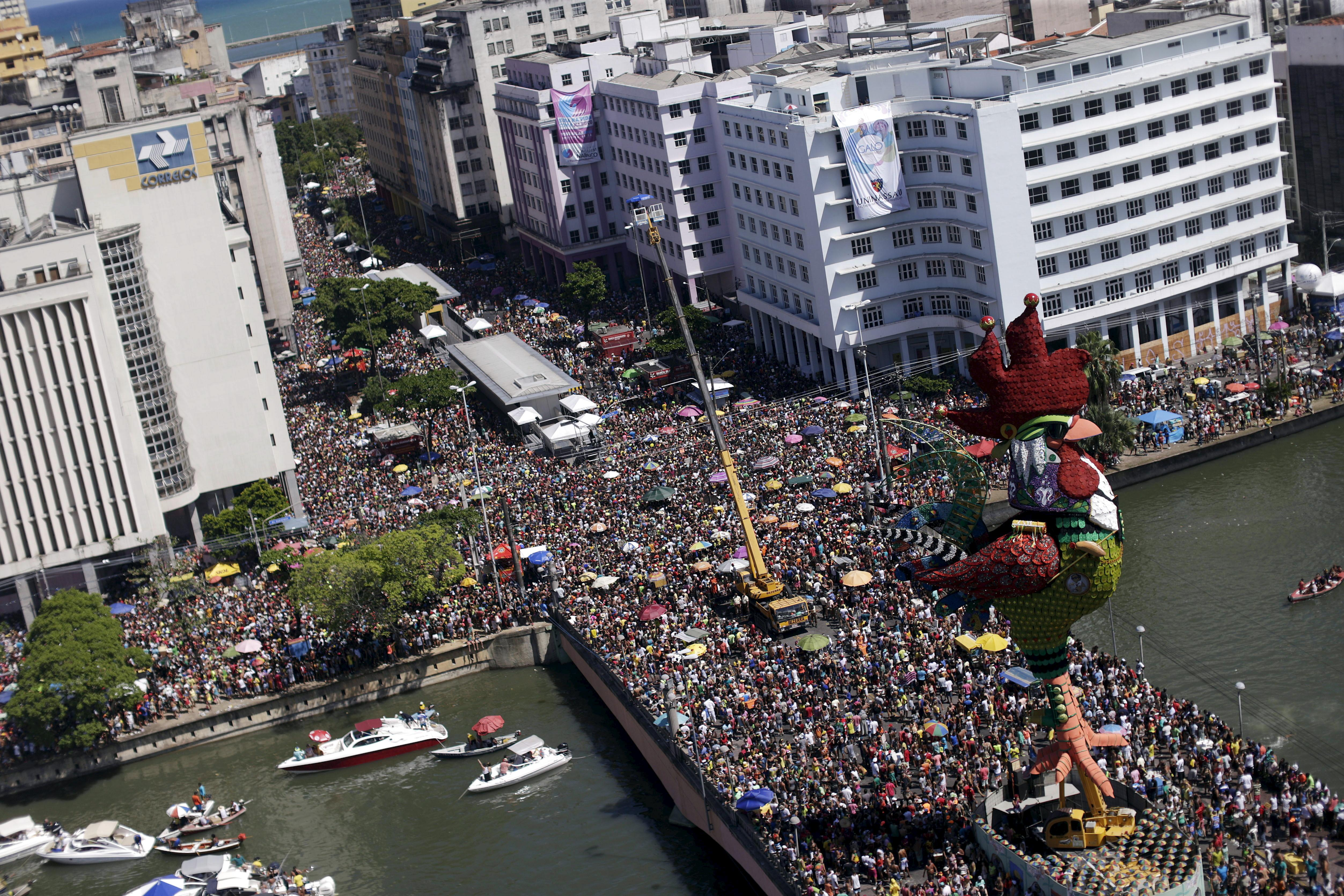People enjoying the carnival on the streets of Recife.