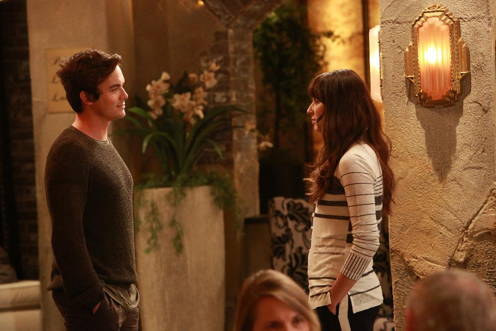 is spencer and caleb dating on pll who cc