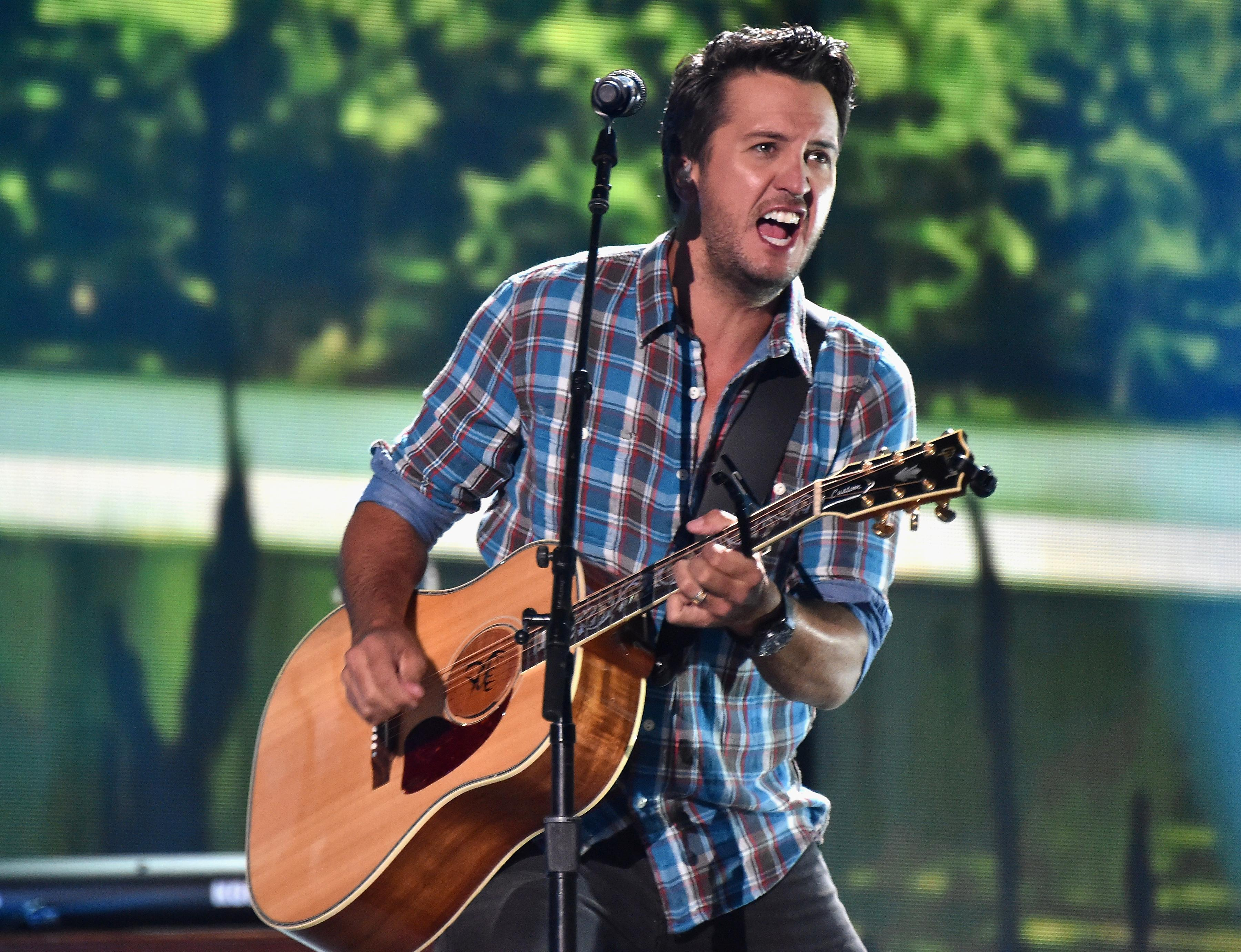 CMT Music Awards 2016 When And How To Watch