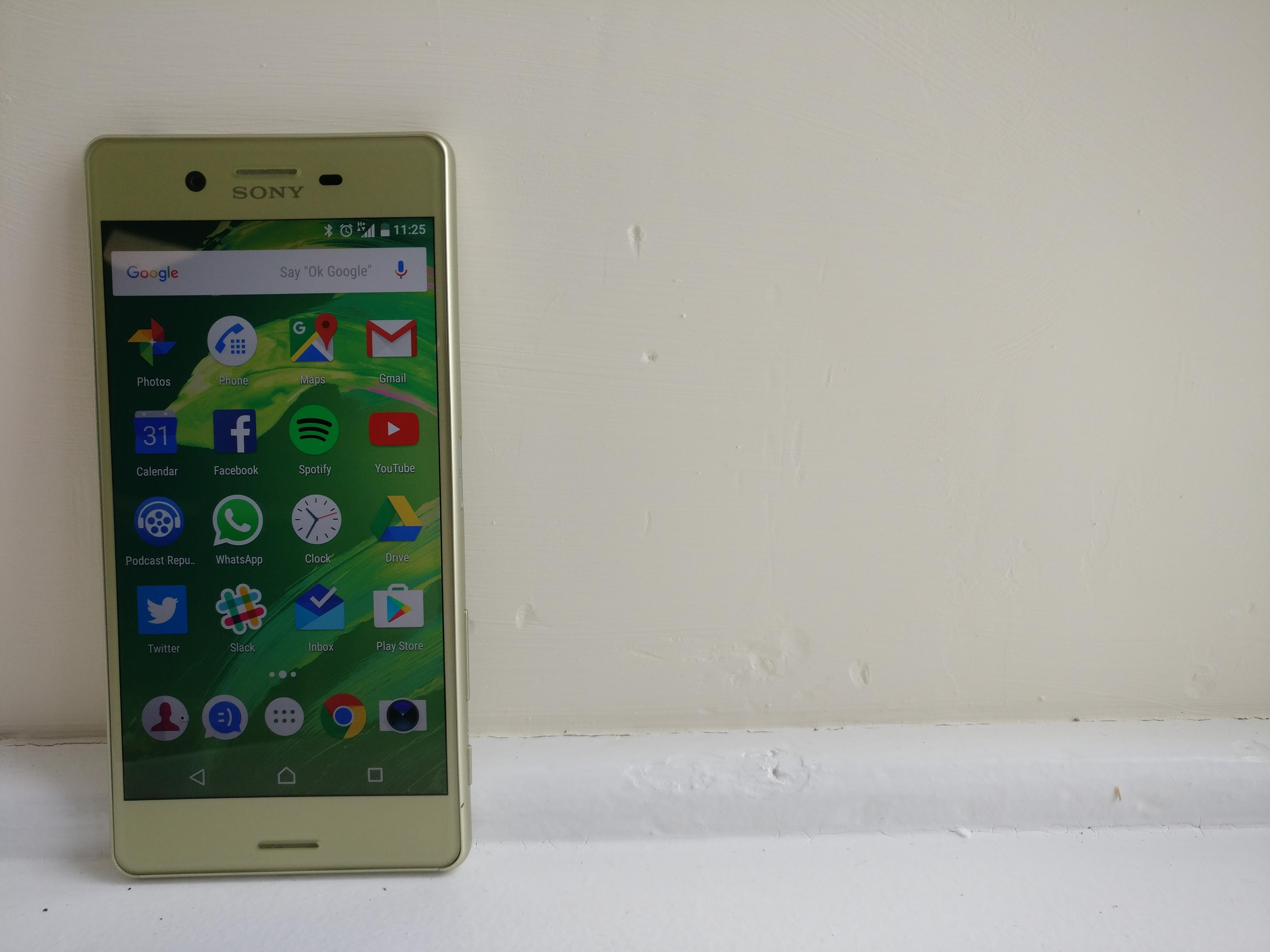 Sony Xperia X Review - Design