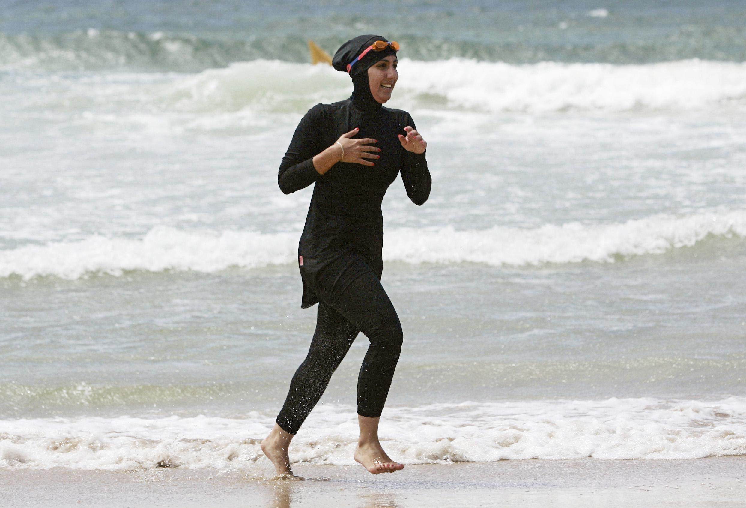 beach single muslim girls Rules related to looking at others 11 – question: in public and other schools, there are some practicing muslim men, who teach muslim girls naturally.