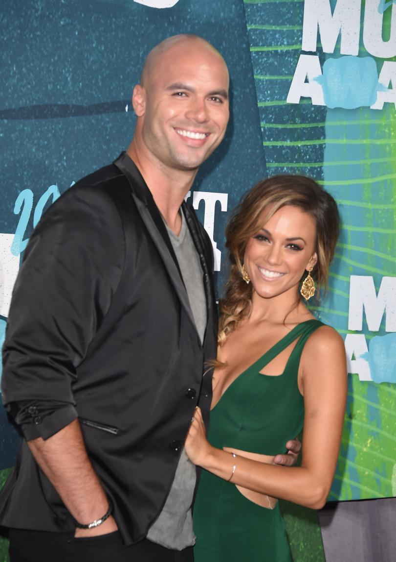 Mike Caussin, Jana Kramer