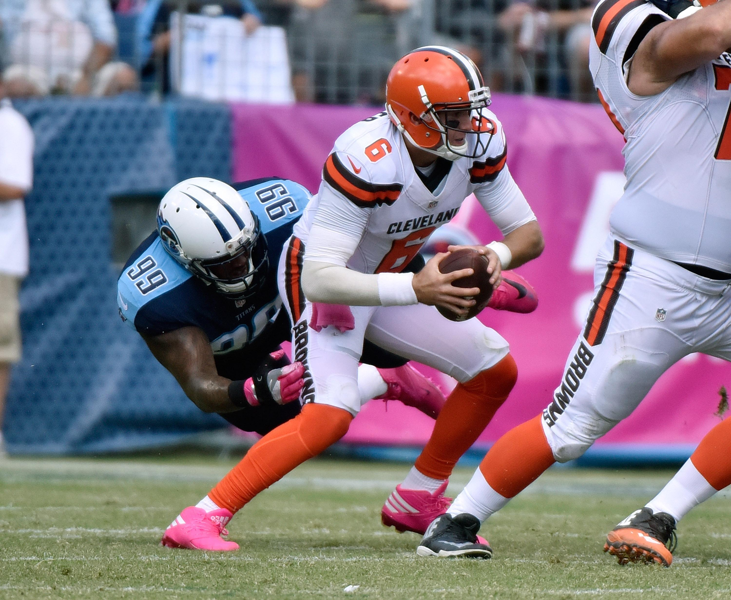 Cleveland Browns coach Hue Jackson 'disappointed' by Cody Kessler's concussion