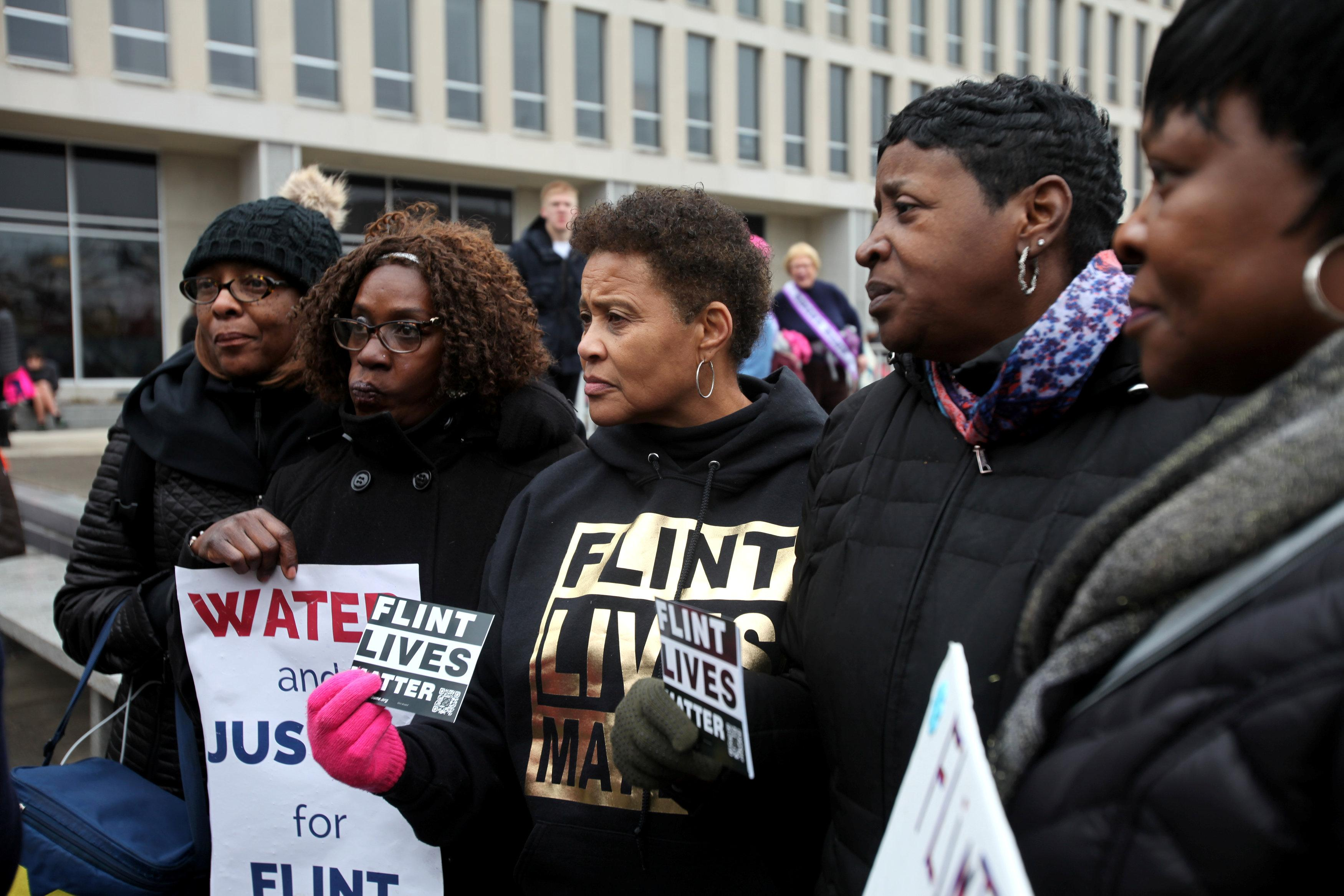 Flint Water Lead Level Drops Below Federal Cap