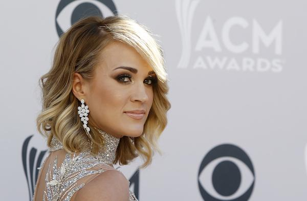 Carrie Underwood Shows Support For Husband Mike Fisher By