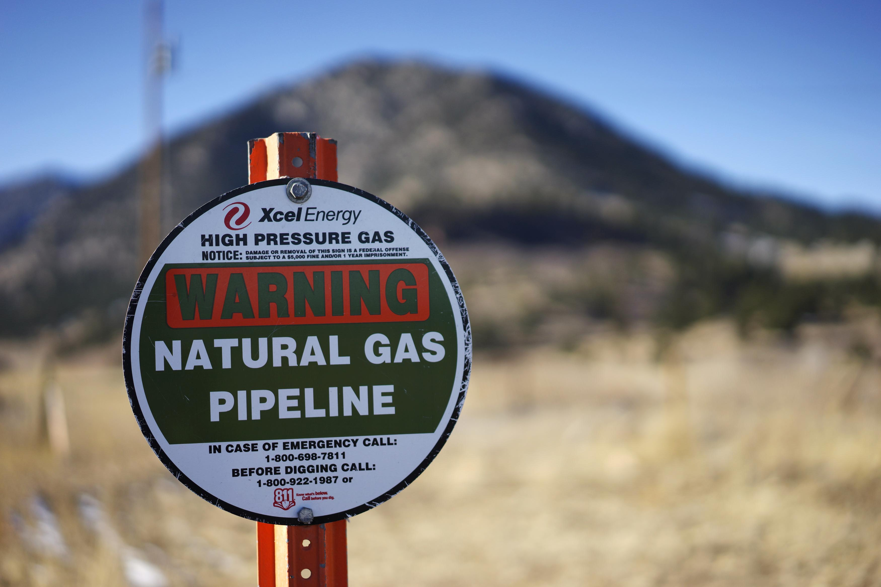 Is your kids school near a gas line how big oil blocks health and safety regulations in colorado - Grillplaat gas b ruleurs ...