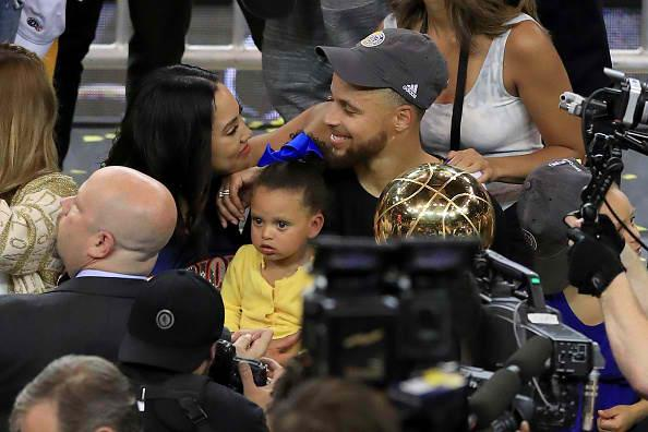 ayesha curry expresses love for stephen curry  shares