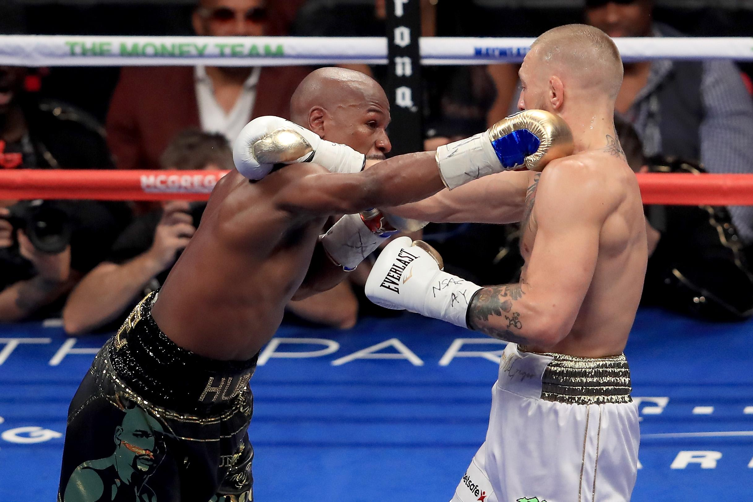 Floyd Mayweather Can't Stop Trolling Conor McGregor
