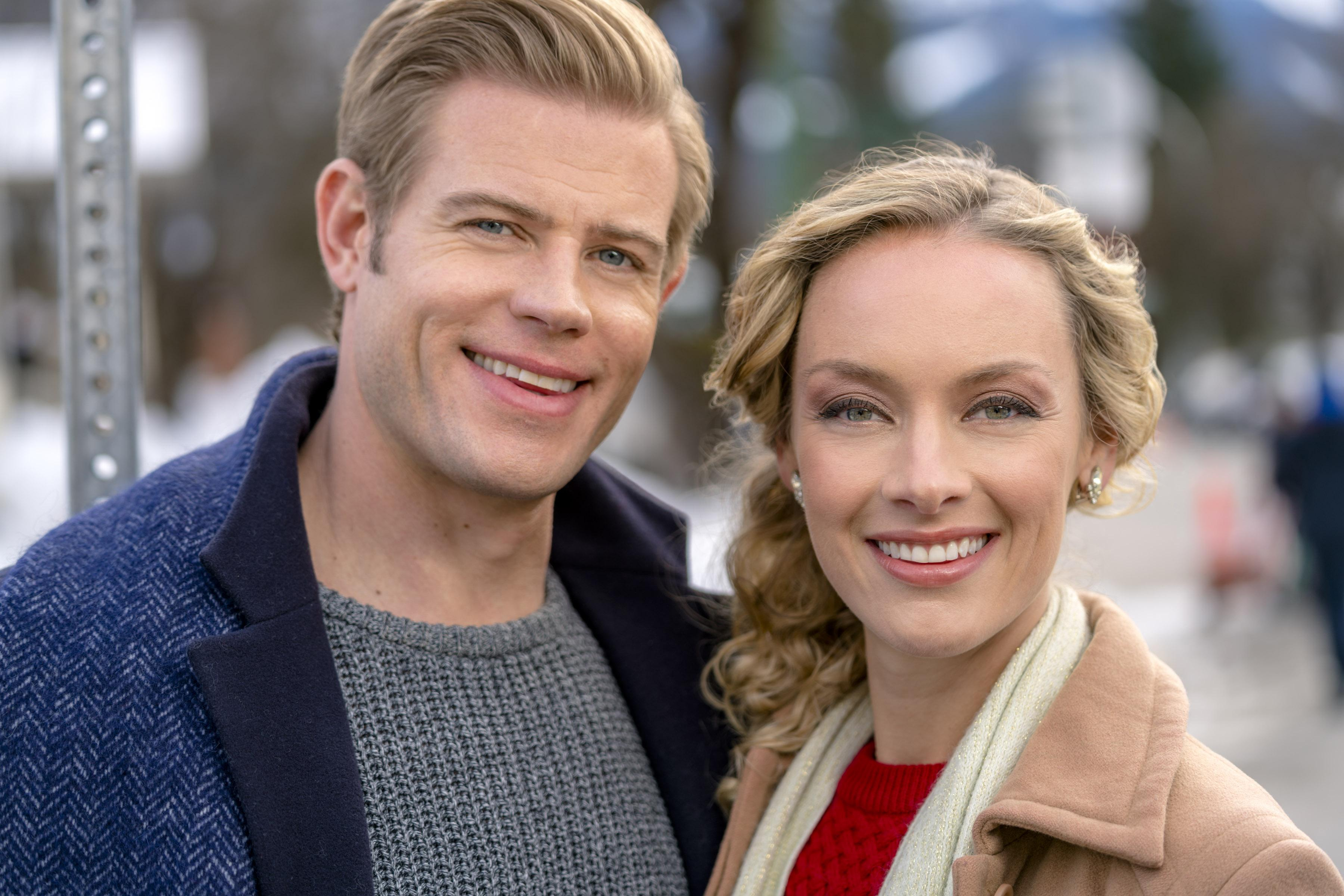 Hallmark Channel 'Marry Me At Christmas' Premiere: Meet The Cast ...