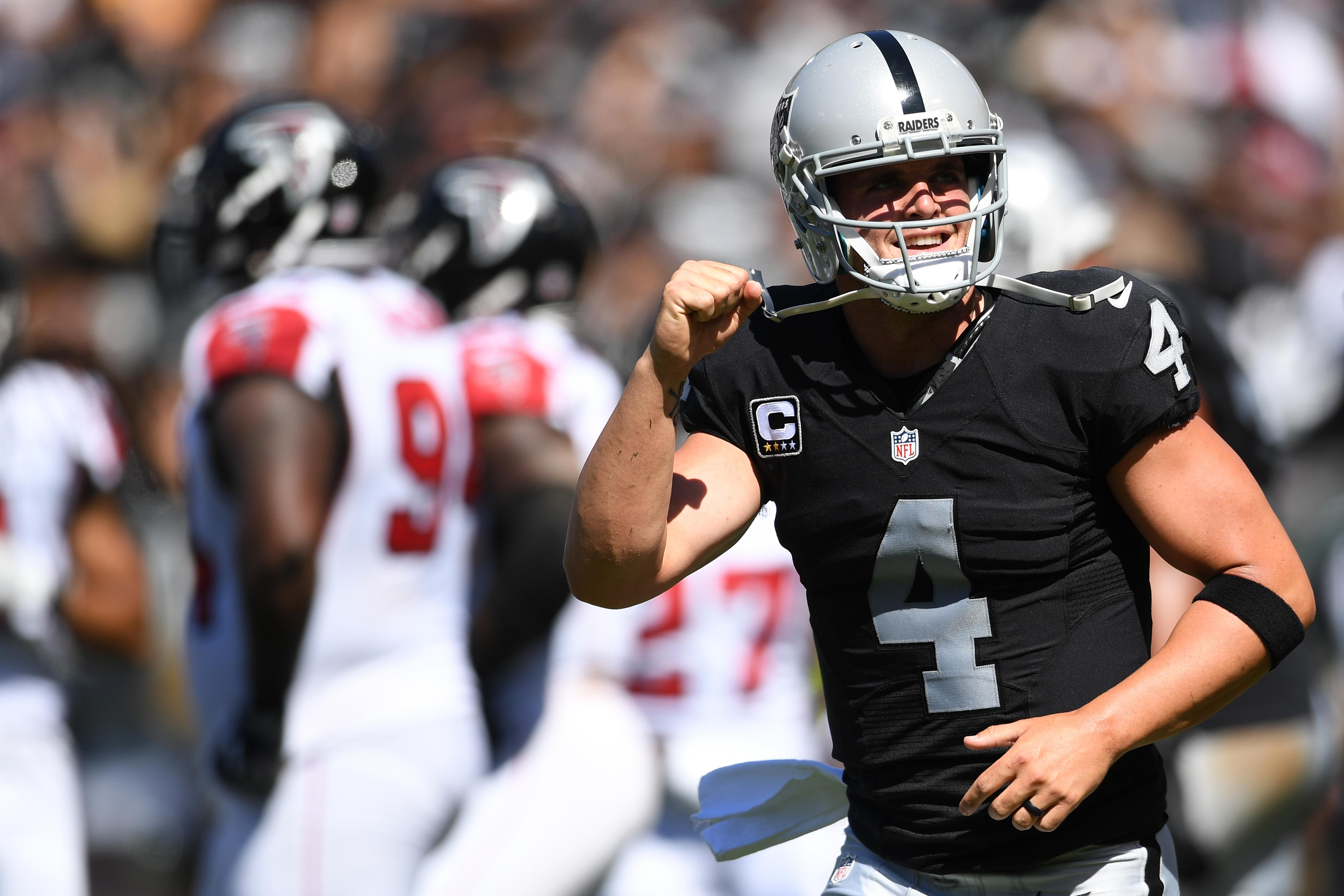 Derek Carr Raiders Falcons