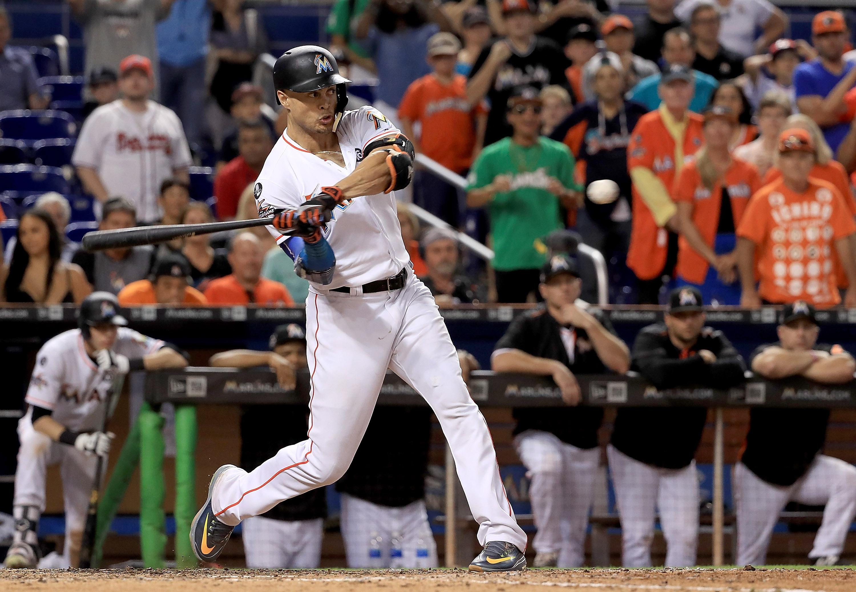 Giancarlo Stanton would accept trade to Chicago Cubs