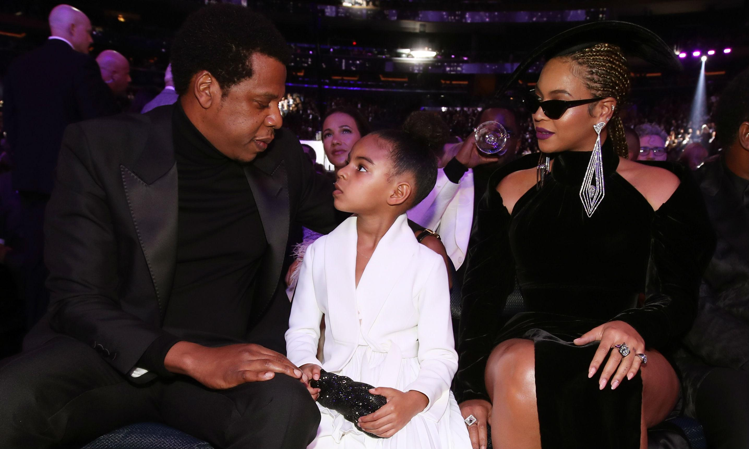 With Blue Ivy: Beyoncé shows up fashionably late for Grammys