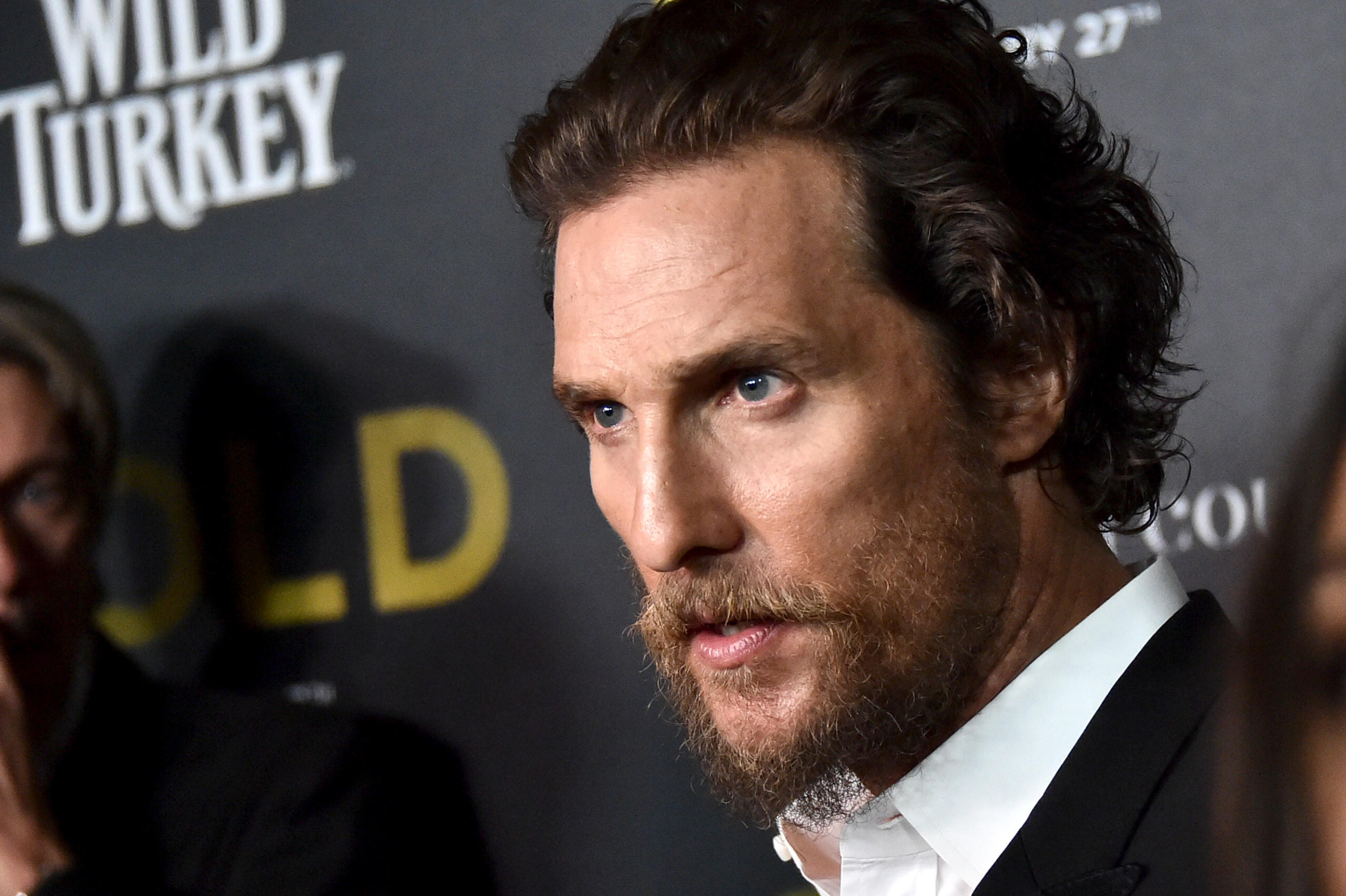 arrested man falsely claims he is matthew mcconaughey police say. Black Bedroom Furniture Sets. Home Design Ideas