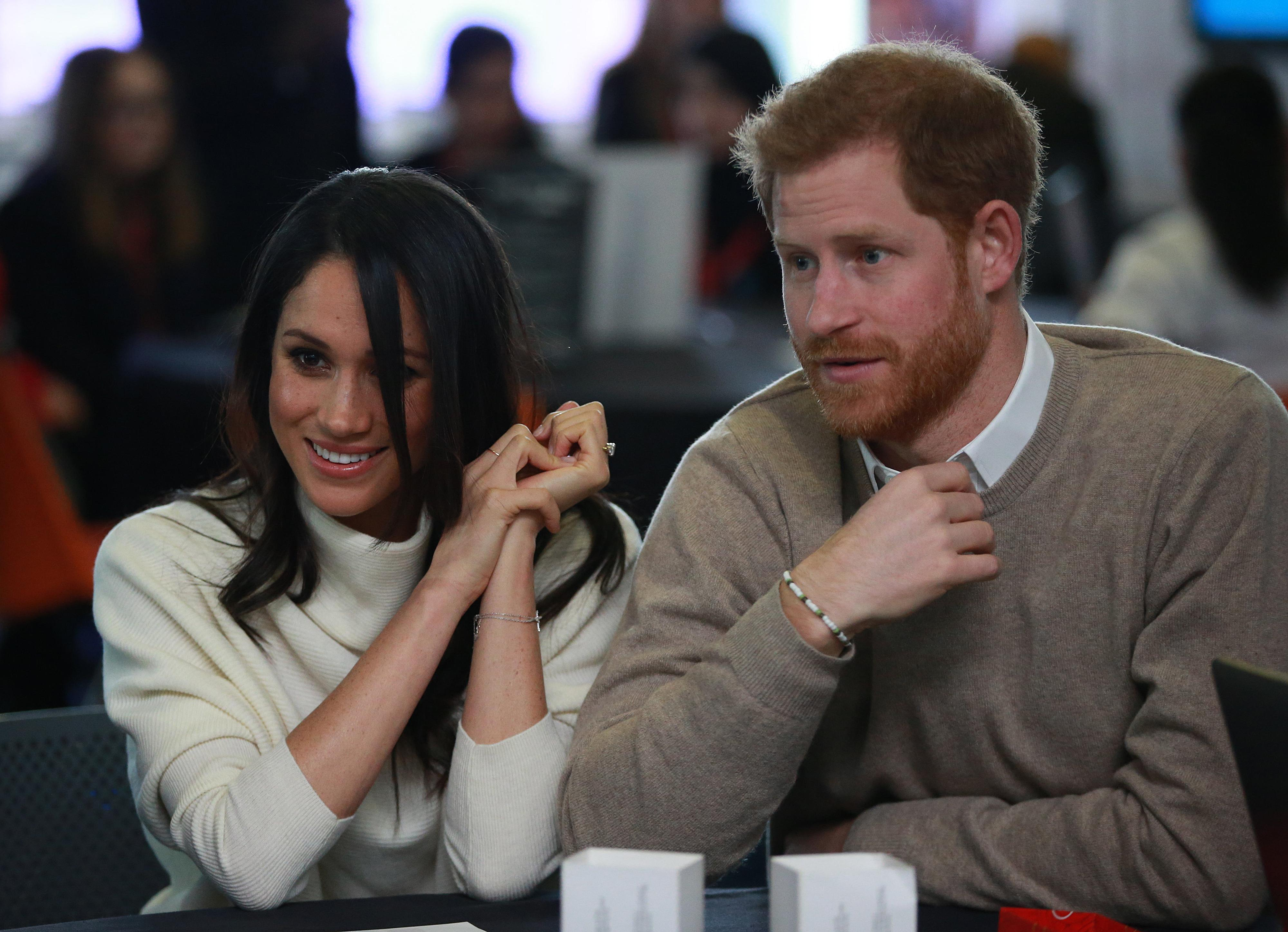 meghan markle prince harry receive queen 39 s consent actress 39 first name surprising. Black Bedroom Furniture Sets. Home Design Ideas