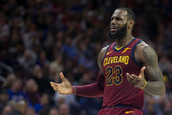James, Love lead Cavs past Knicks to 50th win, another Central title