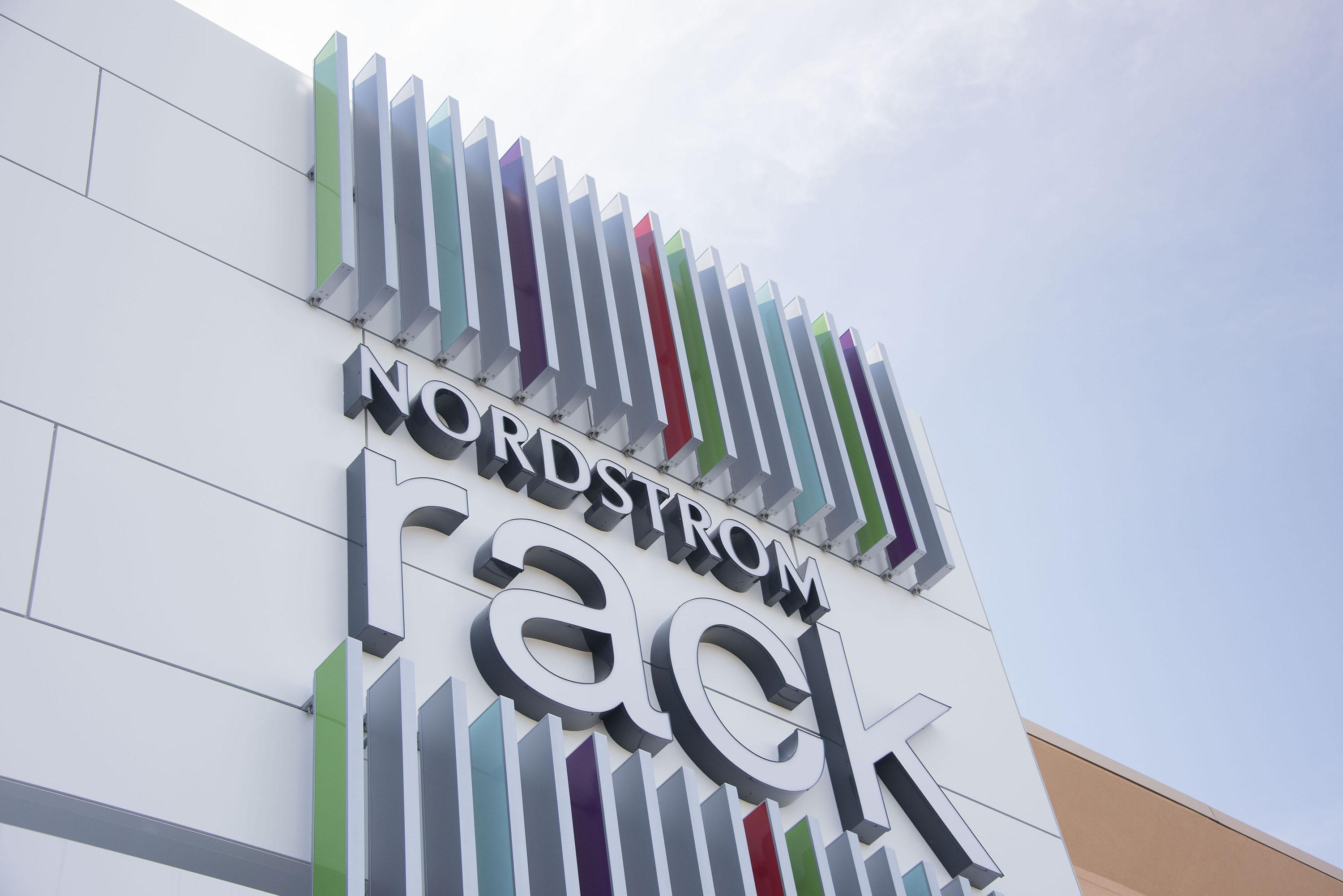 nordstrom employee issues Blast emails with messages focusing on positive employee relations  business-school-case-study-nordstrom-dissension-in-the-ranks/  issues and problems at.
