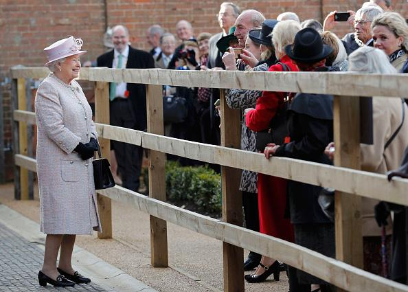 Queen Elizabeth Ii Always Wears Gloves For This Reason Says Royal Commentator