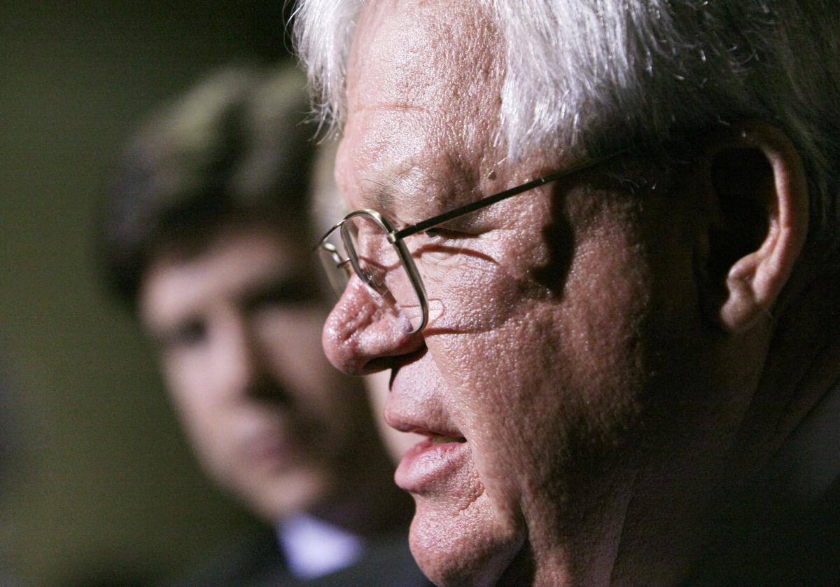 Dennis Hastert Sexual Abuse Scandal: New Alleged Victims ...