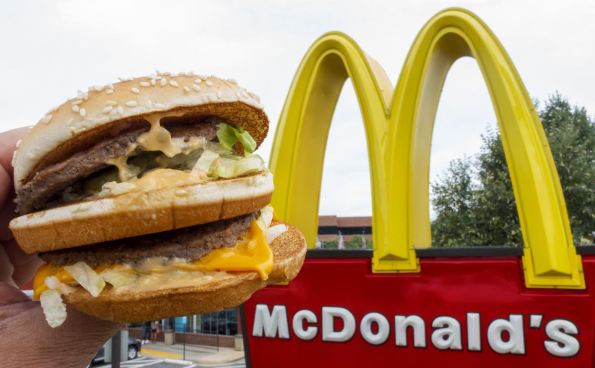 the benefits of effective public relations for mcdonalds a fast food service Mcdonalds marketing strategies public relations are also an maintain or grow theirmarket sharemcdonalds is always within the fast-food.