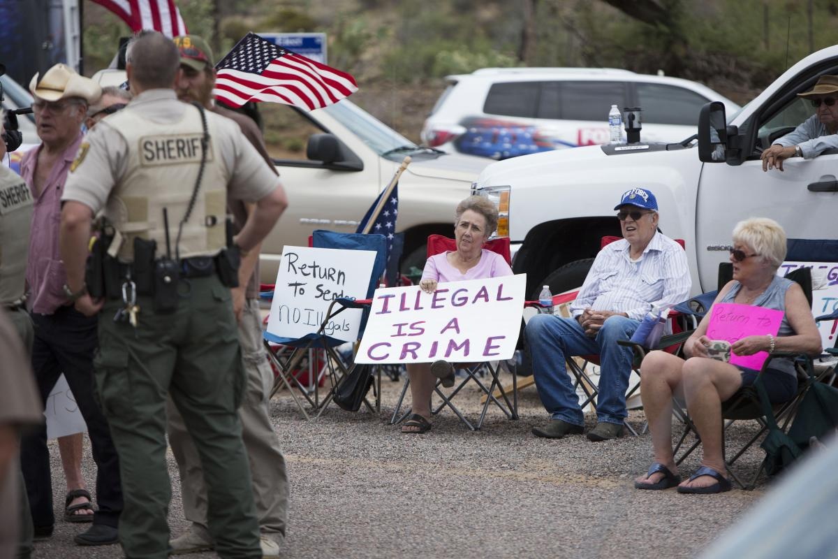 cons for debate for arizona immigration Home issues arizona immigration law pros and cons issues arizona immigration law pros and cons by apecsecadmin - list of cons to the arizona immigration.