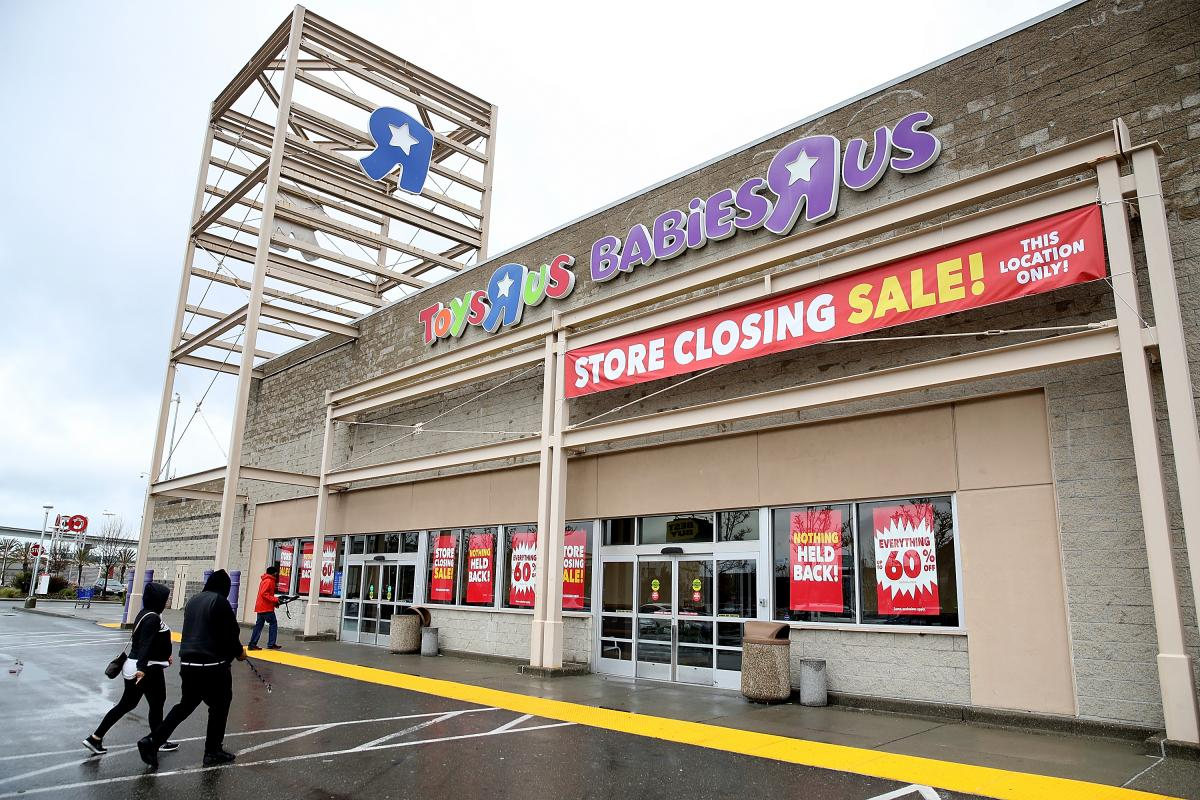 Toys r us closing what you need to know about liquidation sales - Maisonnette toys r us ...