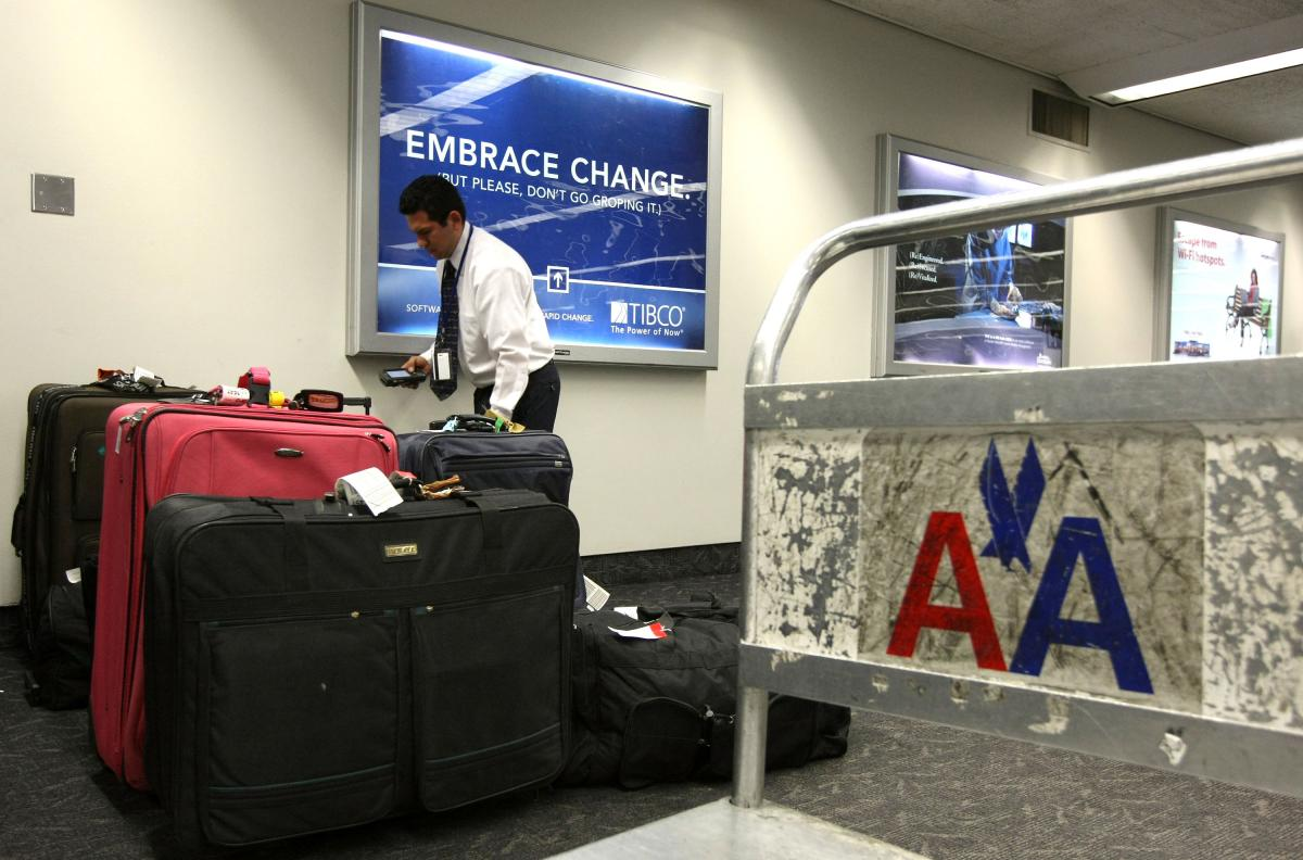 American Airlines Passenger S Lost Luggage Returned With