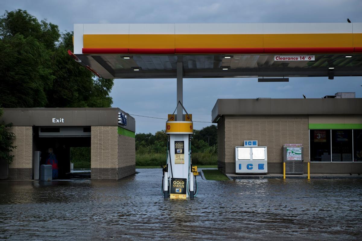 Texas Gas Stations Agree To Refund Price-Gouged Hurricane Harvey Customers