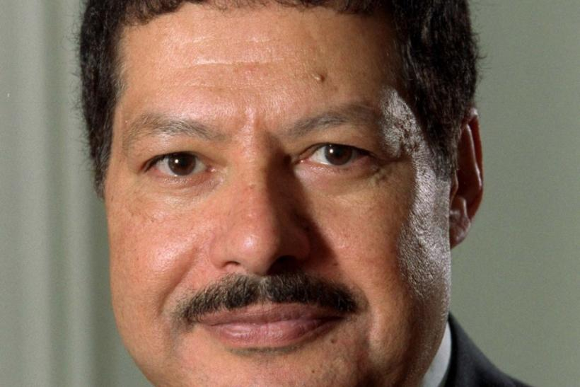 ahmed hassan zewail essay Ahmed hassan zewail is an egyptian scientist, known as the father of femtochemistry, he won the 1999 nobel prize in chemistry for his work on femtochemistry and became the first arab scientist to win a.