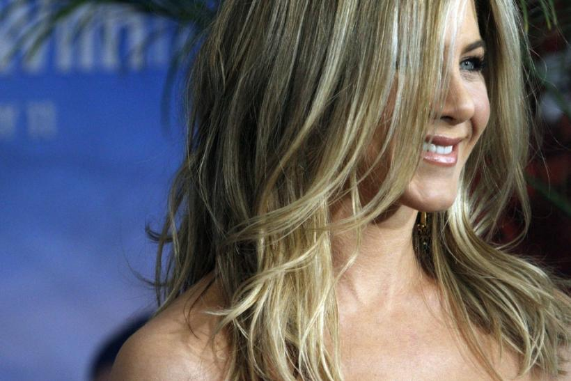 Cast member Jennifer Aniston attends the premiere of 'Just Go With It' in New York