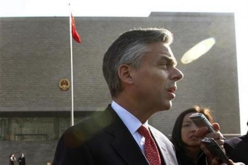 U.S. ambassador to China decries violence against media