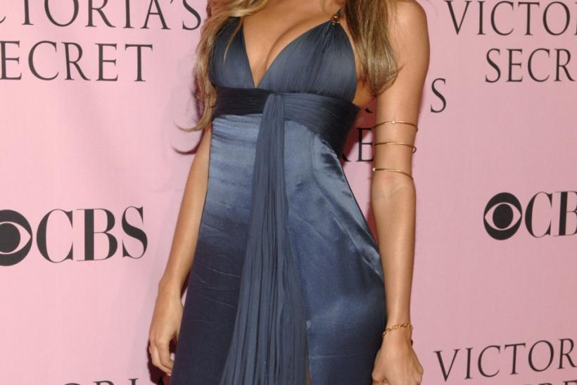 Brazilian supermodel Bundchen poses for photographers before the Victoria's Secret Fashion Show 2006 in Hollywood