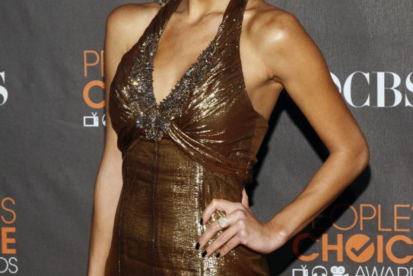 Singer Nicole Scherzinger of the Pussycat Dolls arrives at the 2010 People's Choice Awards in Los Angeles