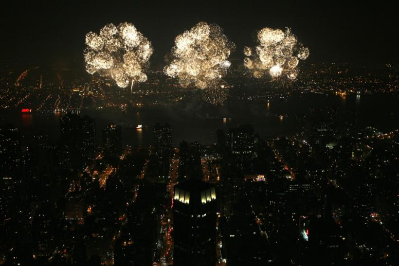 Fireworks light up Midtown Manhattan