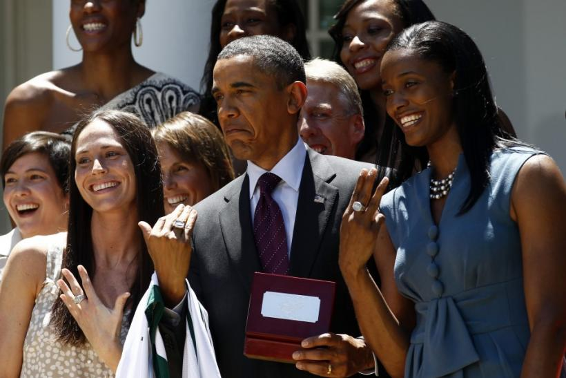 Obama honors WNBA 2010 Champions Seattle Storm