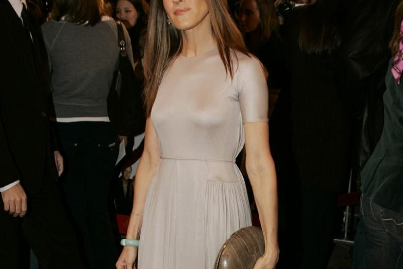 Actress Sarah Jessica Parker poses at premiere of film 'The Family Stone'