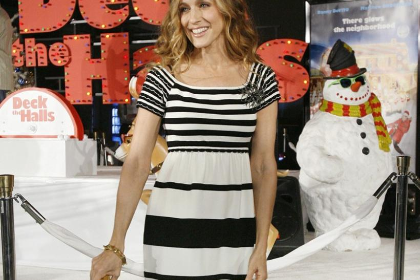 "Actress Sarah Jessica Parker attends the premiere of ""Deck the Halls"""