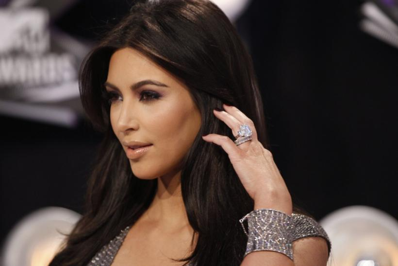 Newly-Wed Kim Kardashian Shows Off Her Wedding Ring at the 2011 MTV Video Music Awards.