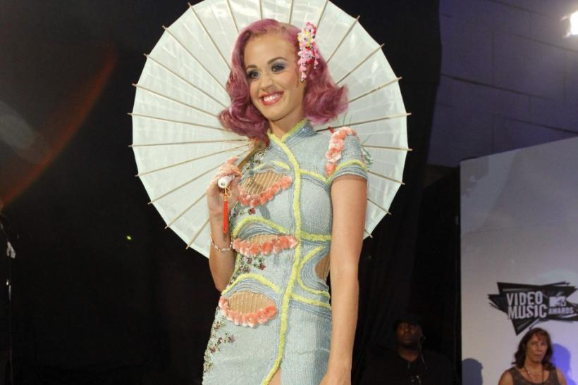 Singer Katy Perry arrives at the 2011 MTV Video Music Awards in Los Angeles