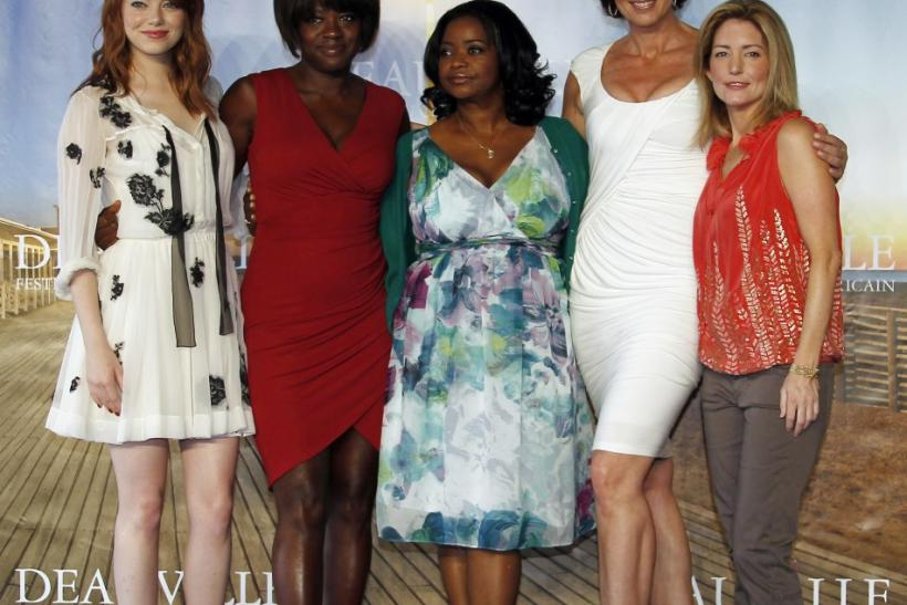 """Actresses Stone, Davis, Spencer and Janney pose with screenwriter Stockett during a photocall for their film """"The Help"""" at the 37th American Film Festival in Deauville"""