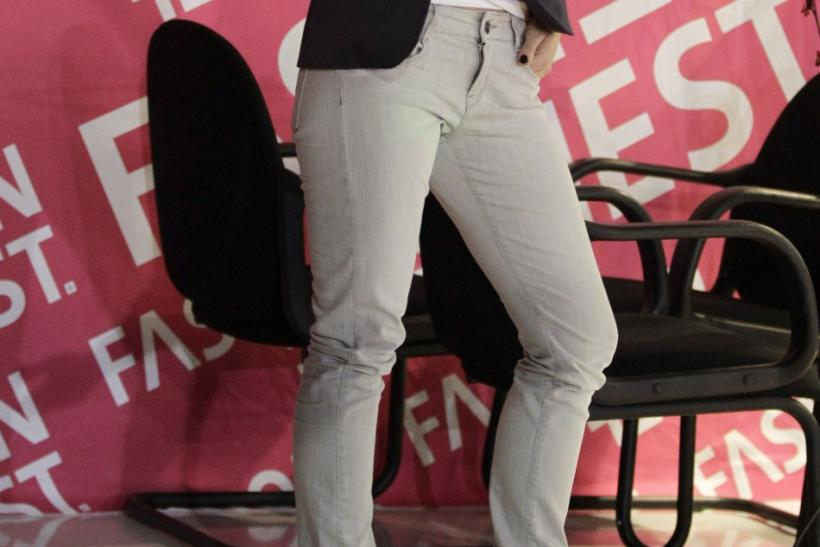 U.S. actress Olivia Wilde poses during a news conference before taking part in Fashion Fest in Mexico City