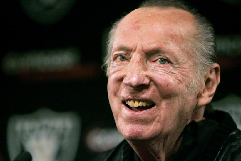 Oakland Raiders owner Al Davis smiles after naming Tom Cable new head coach in Oakland