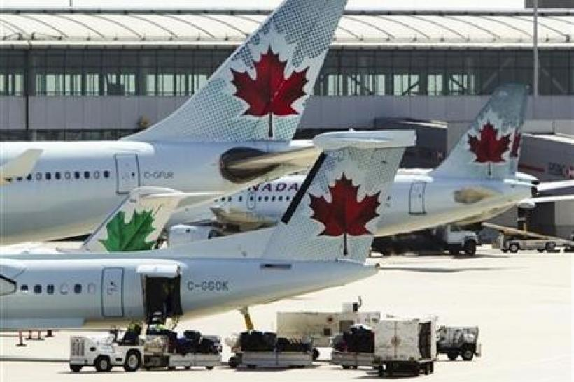 Air Canada, union offer conflicting strike messages
