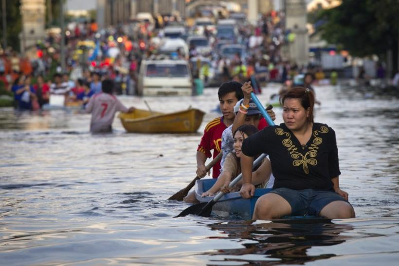 Thailand Floods: A Third of the Country Under Water; $30 Bn Loss to Economy (PHOTOS)