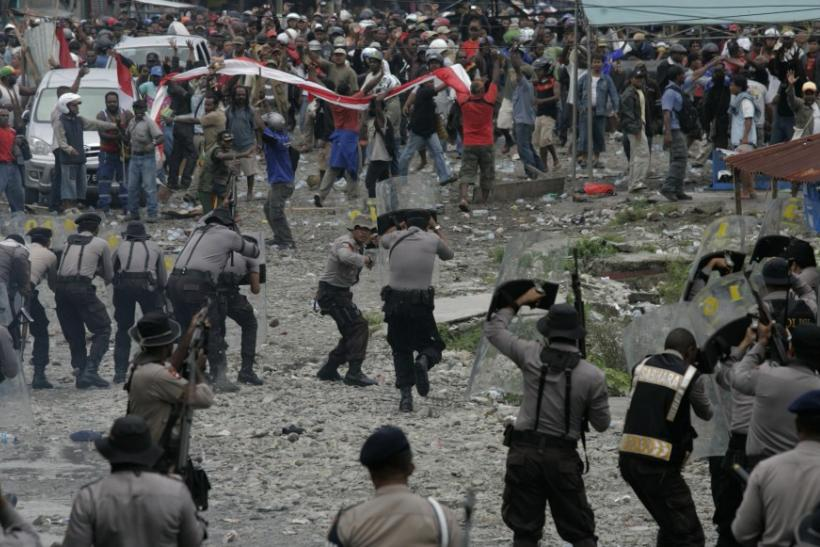 Police, miners clash at Grasberg mine