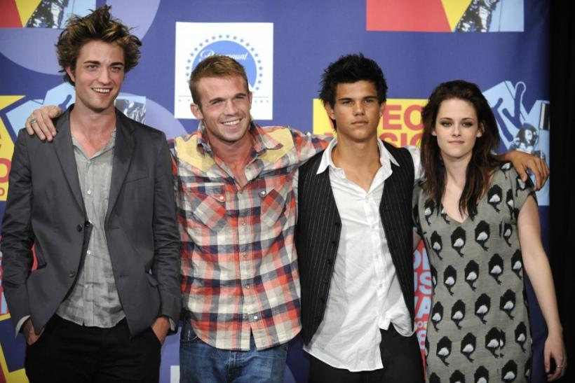 Kristen Stewart and the Cast of Twilight in 2008